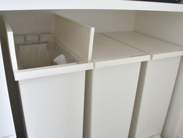 キッチンボード内ゴミ箱